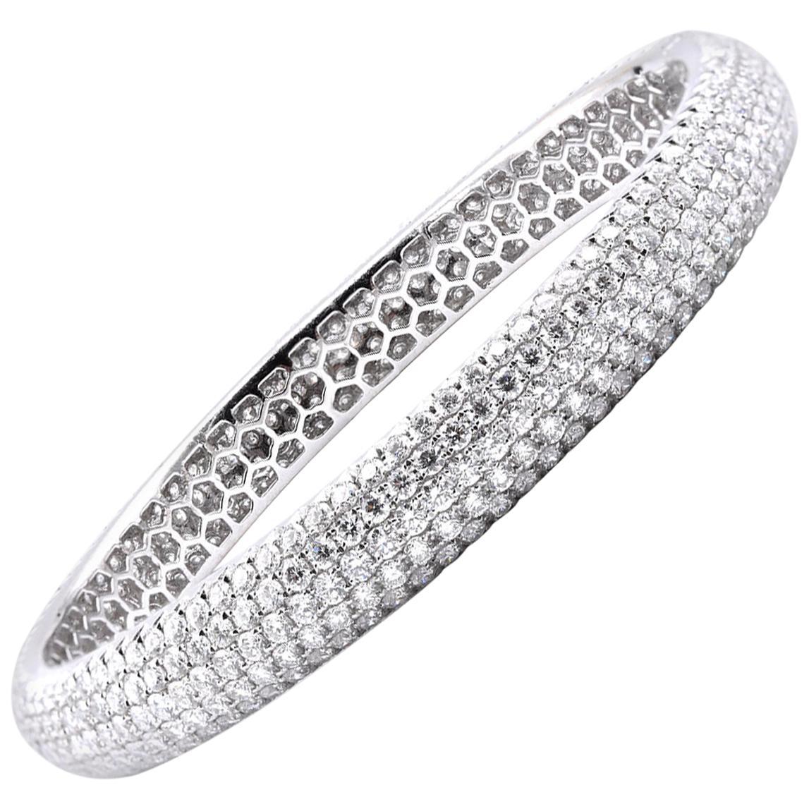 18 Karat White Gold Pave Diamond Bangle Bracelet