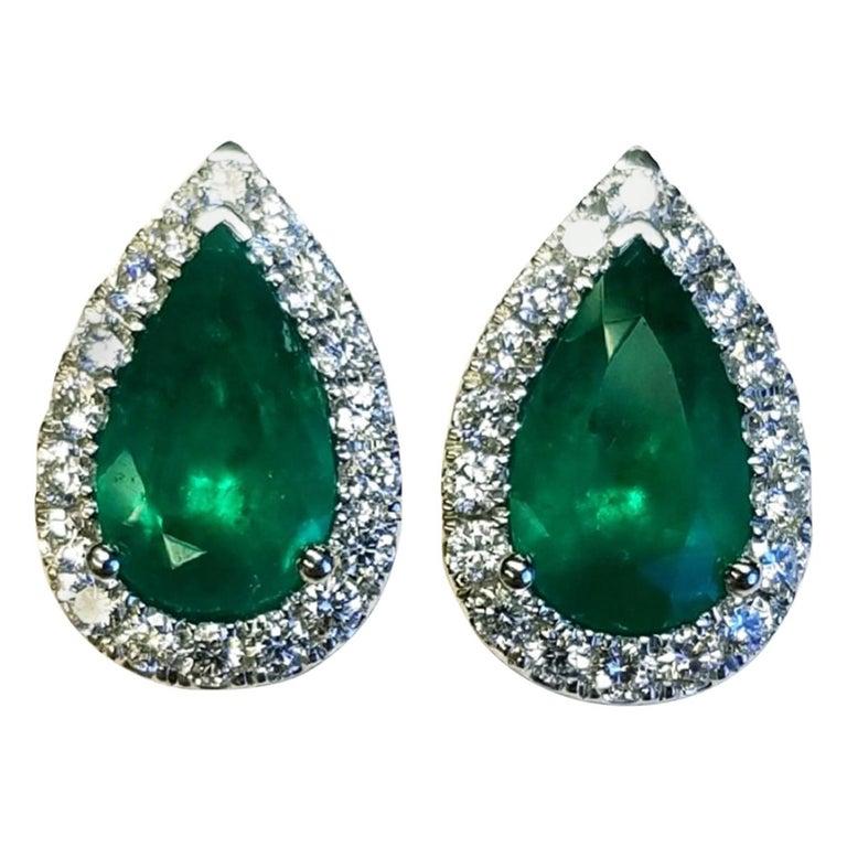 18 Karat White Gold Pear Shape Colombian Emerald and Diamond Earrings For Sale