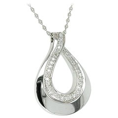 18 Karat White Gold Pear Shaped Pendant Necklace with Diamonds