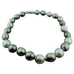 18 Karat White Gold Pearl Necklace with Baroque Grey Pearls
