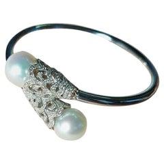 18 Karat White Gold Pearls and Diamonds Bracelet