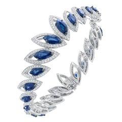 18 Karat White Gold Petali Blue Sapphire and Diamonds Bangle Bracelet