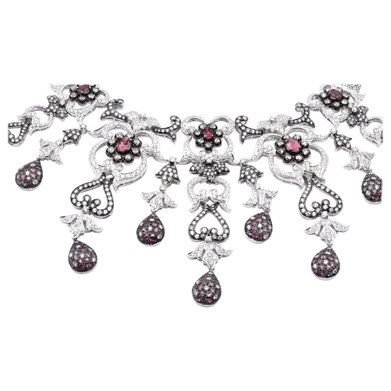 18 Karat White Gold Pink Sapphire and Diamond Necklace For Sale