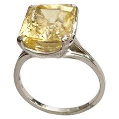 18 Karat White Gold Ring Set with One Natural Yellow Sapphire, 15.32 Carat