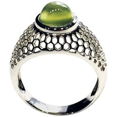 18kt White Gold Ring Set with a Prehnite Cabochon