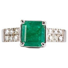 18 Karat White Gold Ring with 2.30 Carat Square Cut Emerald and Diamonds
