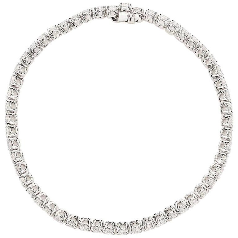 18 Karat White Gold Round Diamond Bracelet For Sale