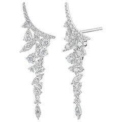 18 Karat White Gold Round Diamond Curve Drop Earring