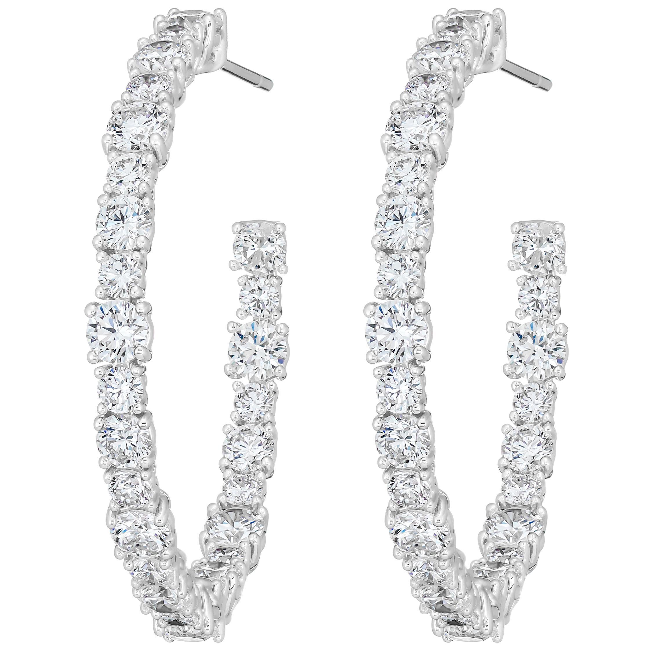 18 Karat White Gold Round Diamond Small Hoop Earrings