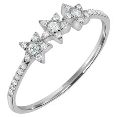 18 Karat White Gold Round Diamond Star Ring