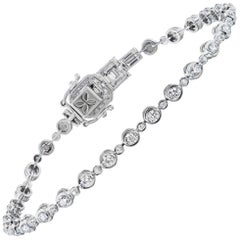 18 Karat White Gold Round Diamond Tennis Bracelet