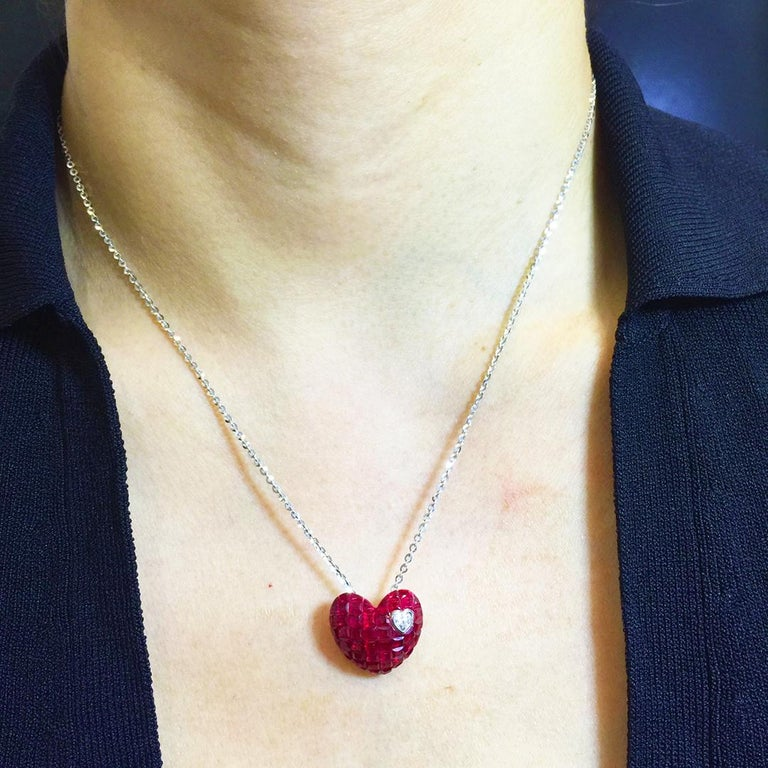 18 Karat White Gold Ruby and Diamond Heart Necklace in Invisible Setting For Sale 1