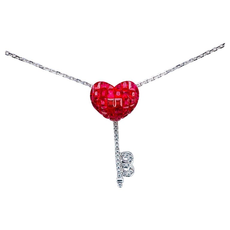 18 Karat White Gold Ruby and Diamond Pendant Necklace Heart Key For Sale