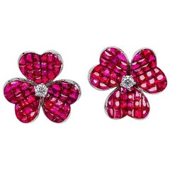 18 Karat White Gold Ruby Flower Stud Earrings