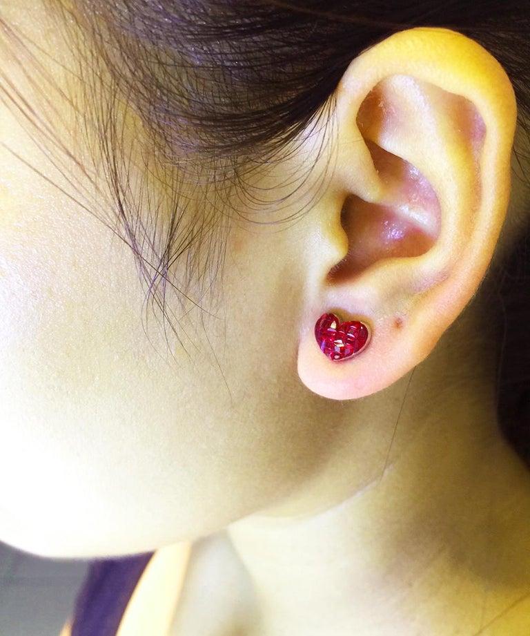 18 Karat White Gold Ruby Stud Heart Earrings For Sale 2