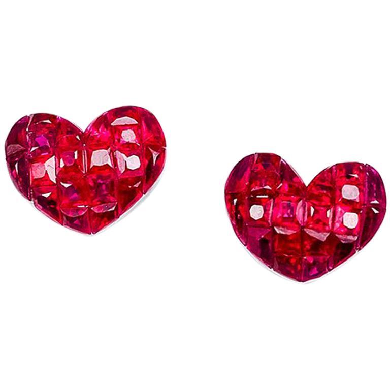 18 Karat White Gold Ruby Stud Heart Earrings For Sale
