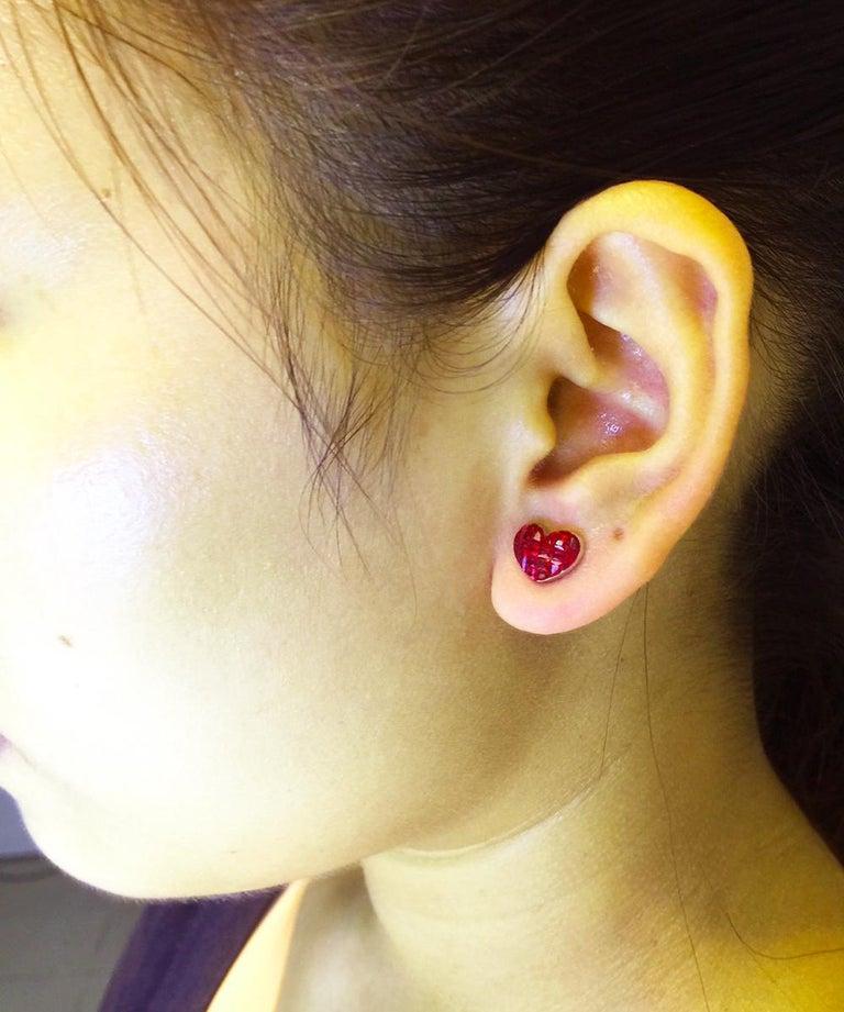 18 Karat White Gold Ruby Stud Small Heart Earrings For Sale 5