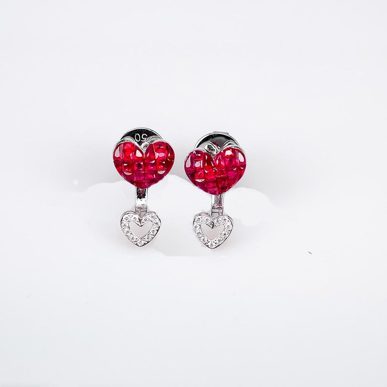 Modern 18 Karat White Gold Ruby Stud Small Heart Earrings For Sale