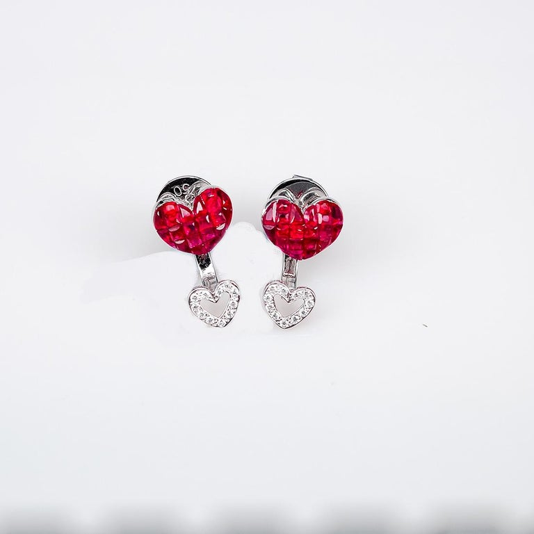 Women's 18 Karat White Gold Ruby Stud Small Heart Earrings For Sale