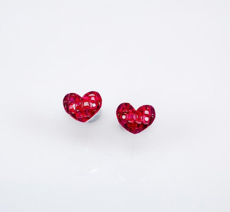 18 Karat White Gold Ruby Stud Small Heart Earrings For Sale 1