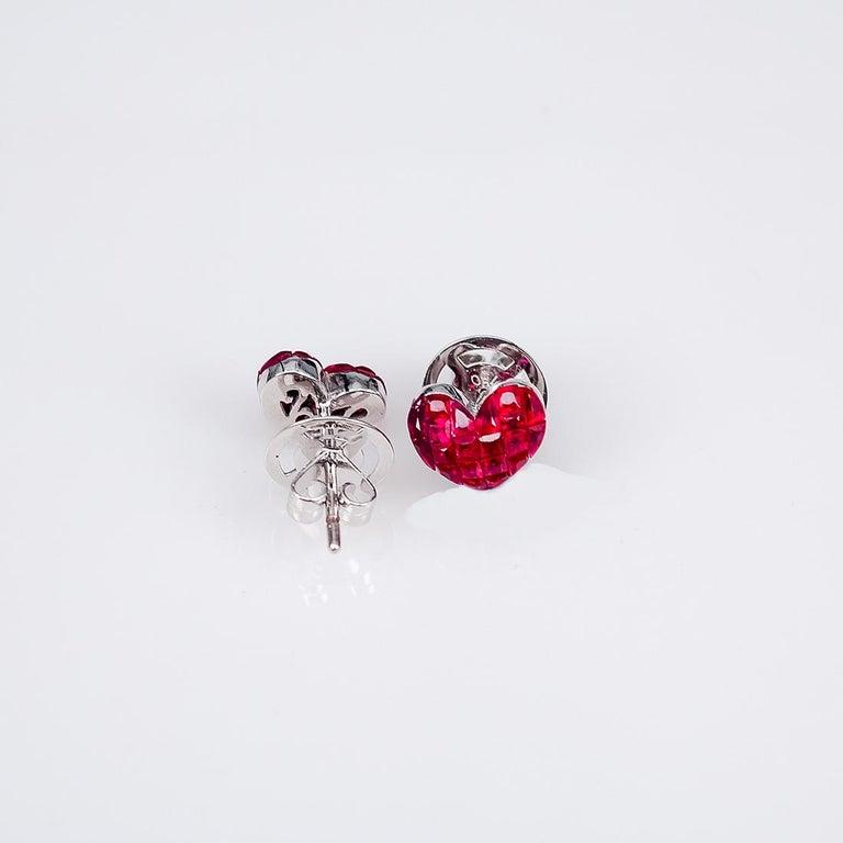 18 Karat White Gold Ruby Stud Small Heart Earrings For Sale 2
