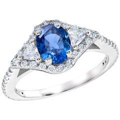 18 Karat White Gold Sapphire and Diamond Cocktail Ring Weighing 2.55 Carat
