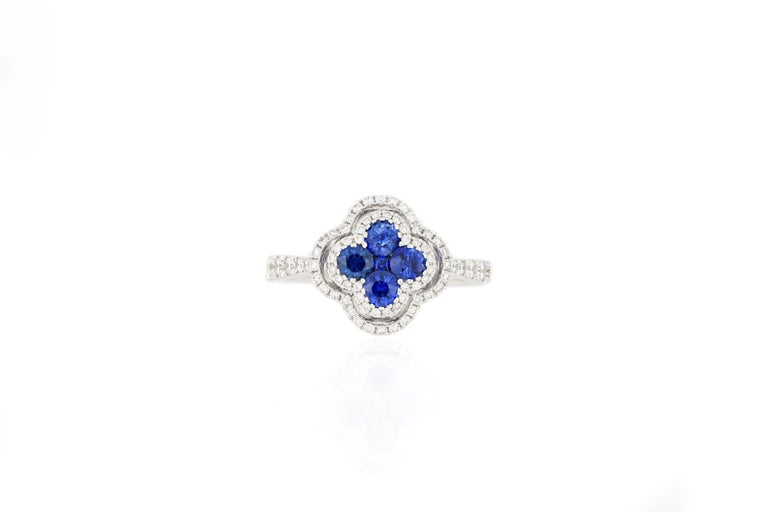 Contemporary 18 Karat White Gold Sapphire and Diamond Ring For Sale
