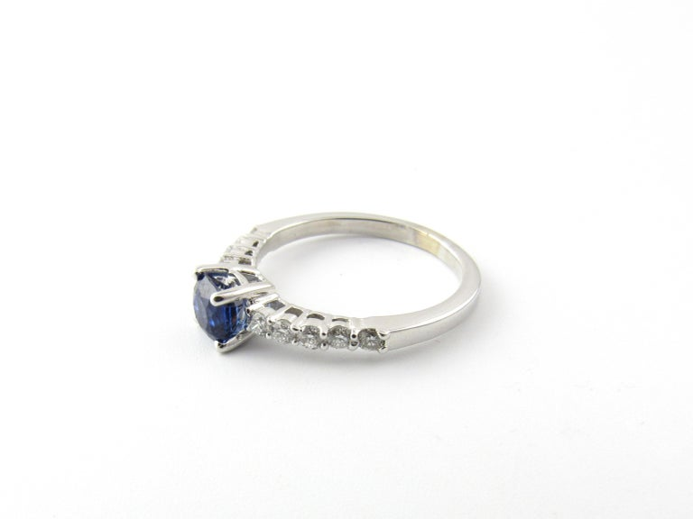 18 Karat White Gold Sapphire and Diamond Ring In Good Condition For Sale In New Milford, CT