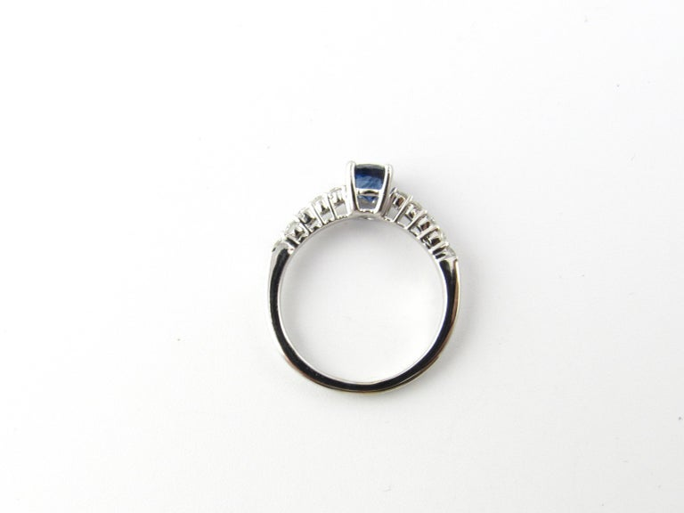 18 Karat White Gold Sapphire and Diamond Ring For Sale 1
