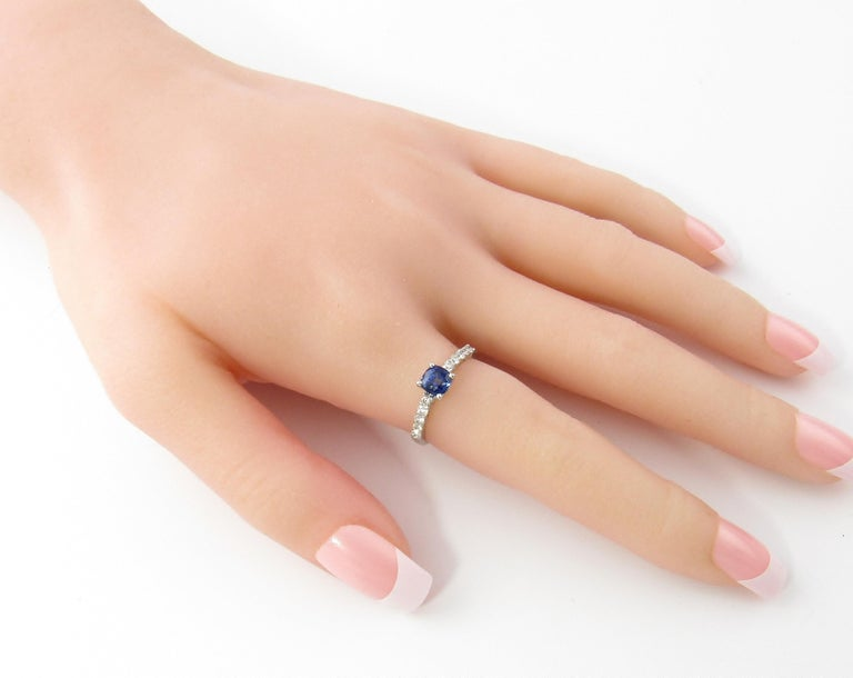18 Karat White Gold Sapphire and Diamond Ring For Sale 4