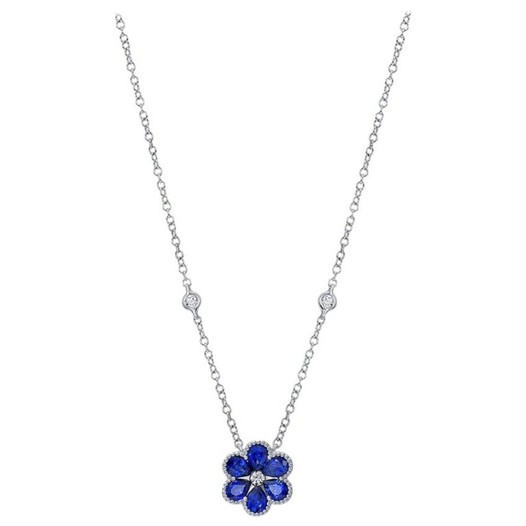 18 Karat White Gold Sapphire Flower Necklace For Sale