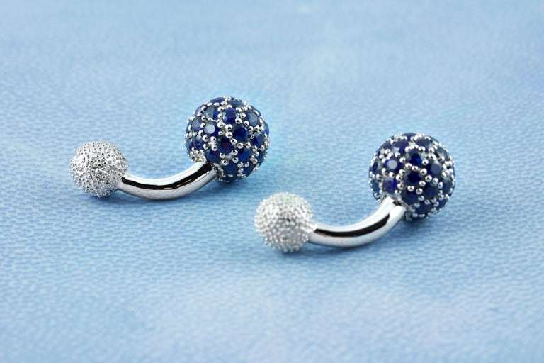 18 Karat White Gold Sapphires Cufflinks In New Condition For Sale In Milano, IT