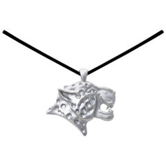 18 Karat White Gold Spotted Leopard Pendant Necklace