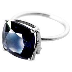 18 Karat White Gold Tea Contemporary Ring with Sapphire, 2.55 Carat
