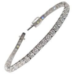 18 Karat White Gold Tennis Bracelet with 45 Round Diamonds 9.35 Carat