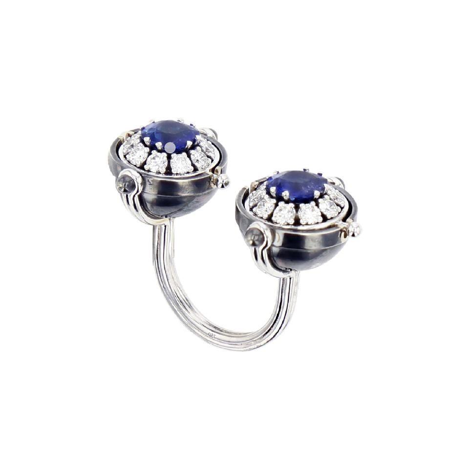 18 Karat White Gold Toi & Moi Blue Sapphire Diamond Ring by Elie Top