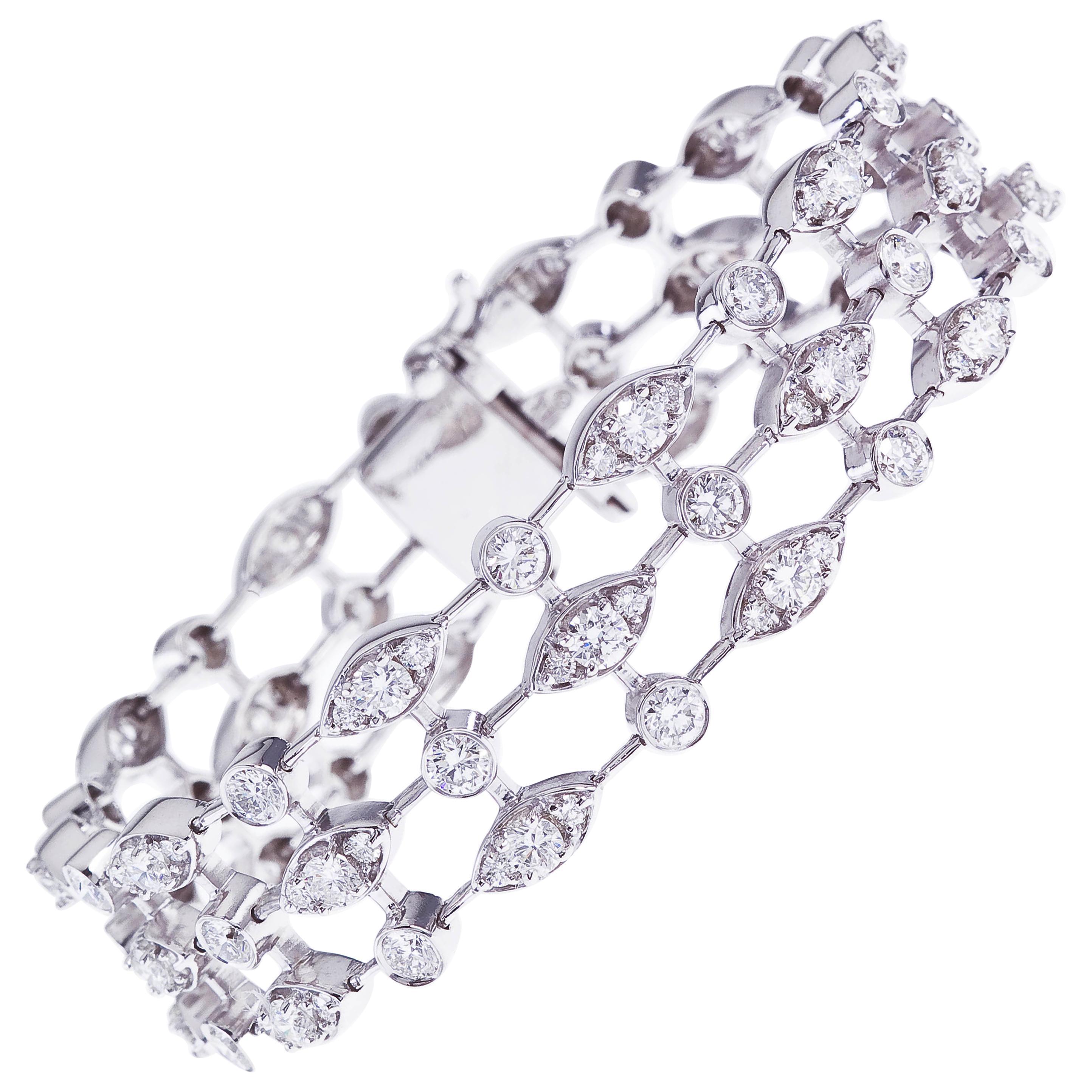 18 Karat White Gold Trellis Style Diamond Bracelet, 8.62 Carat