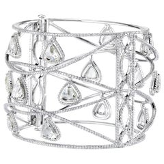 18 Karat White Gold Trillion Cut Diamond Bangle