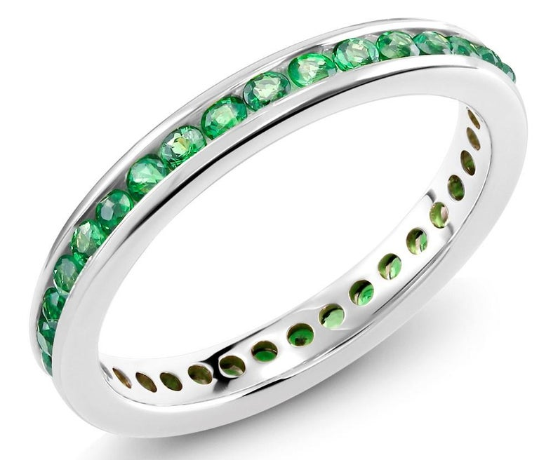 Eighteen Karat White Gold Tsavorite Band Weighing 1.10 Carat In New Condition For Sale In New York, NY