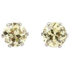 18 Karat White Gold Vintage Diamond Stud Earrings Est. 1.12 Carat, circa 1970s