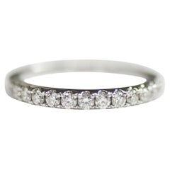 18 Karat White Gold Wedding Band Ring with Diamonds