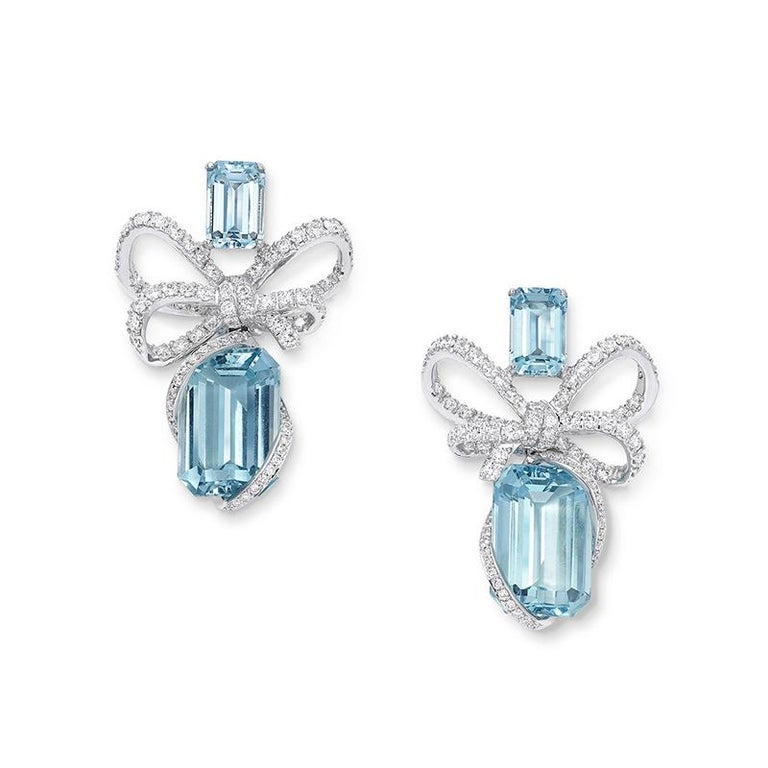Emerald Cut 18 Karat White Gold, White Diamonds and Aquamarine Necklace and Earrings For Sale