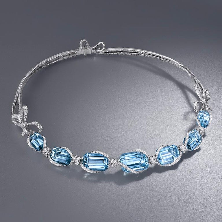 18 Karat White Gold, White Diamonds and Aquamarine Necklace and Earrings For Sale 1