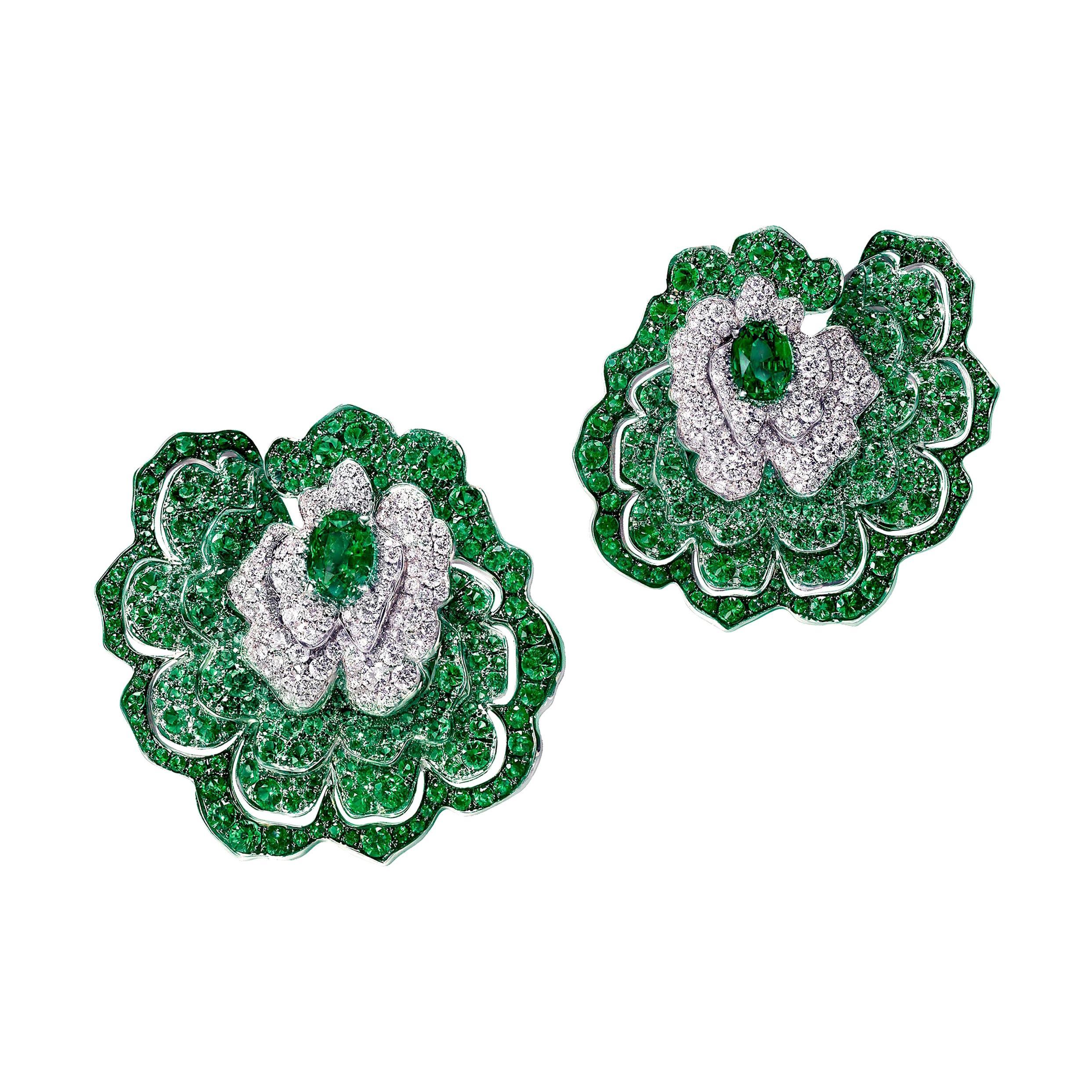 18 Karat White Gold, White Diamonds and Emeralds Earrings