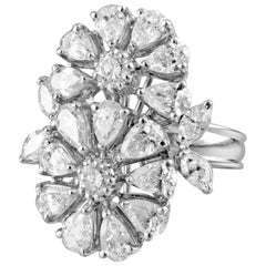 18 Karat White Gold White Diamonds Cocktail Ring