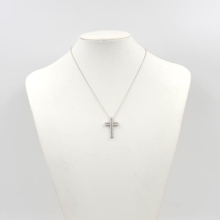 18 Karat White Gold White Diamonds Garavelli Cross Pendant Necklace For Sale 2