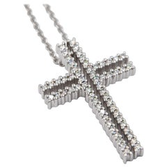 18 Karat White Gold White Diamonds Garavelli Cross Pendant Necklace