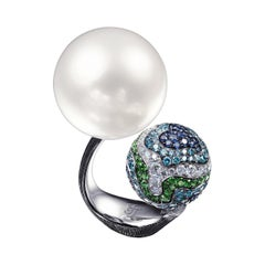 18 Karat White Gold White South Sea Pearl, Diamonds and Sapphires Cocktail Ring