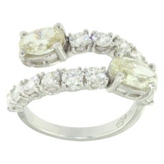 18 Karat White Gold with White Diamonds and Yellow Diamond Ring