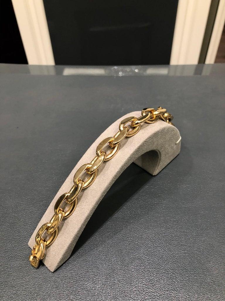 Contemporary 18 Karat Yellow Gold Oval Link Bracelet For Sale